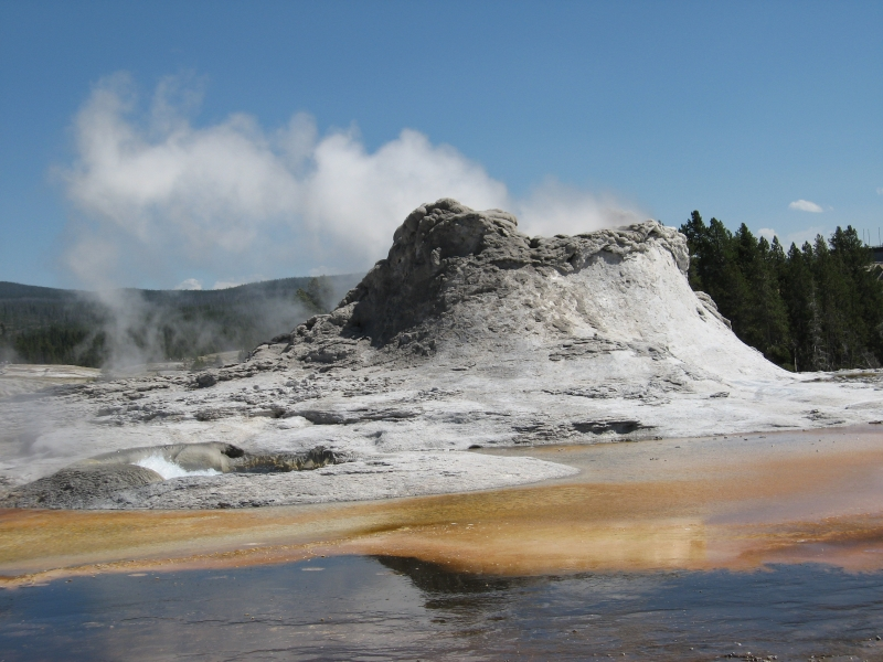 connie-aug-2007-yellowstone-038